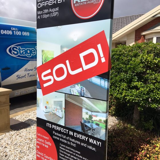 house-staging-sold-sign-01
