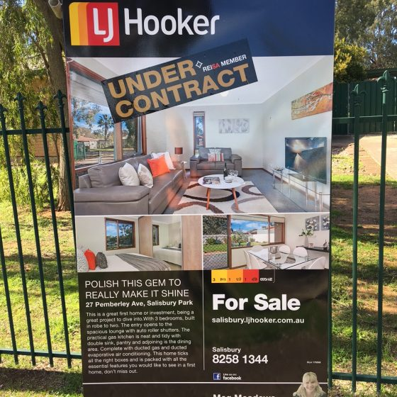 house-staging-sold-sign-02