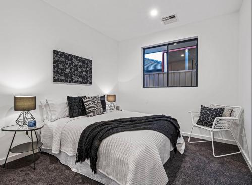 brighton-bedroom-throw-rug