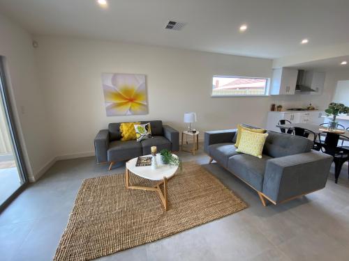 flinders-park-lounge (1)